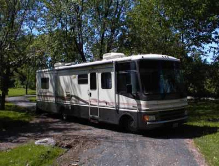 Recreational vehicles class a motorhomes 1997 fleetwood for Barrington motor sales rv