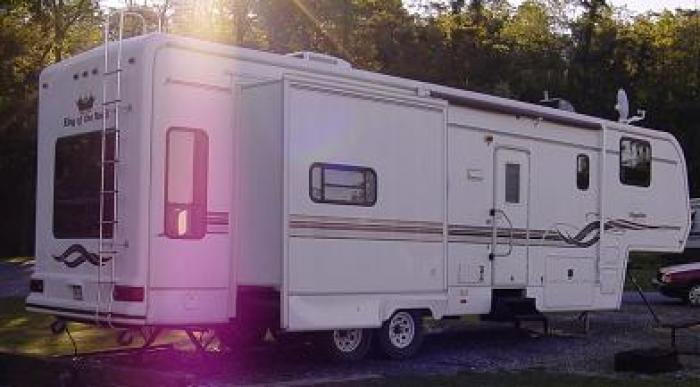 Recreational Vehicles Fifth Wheel Trailers 2000 King Of