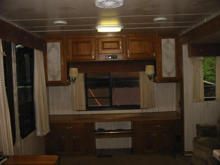Recreational Vehicles Fifth Wheel Trailers 1990 Hitchhiker