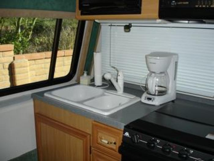 Lazy Daze Rv >> THIS ITEM HAS BEEN SOLD...Recreational Vehicles Class C Motorhomes 2006 Lazy Daze Rear Kitchen ...