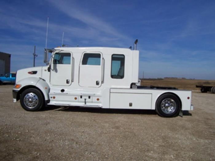 .com/listings/view/17/toters-and-trucks-2004-peterbilt-387/12439