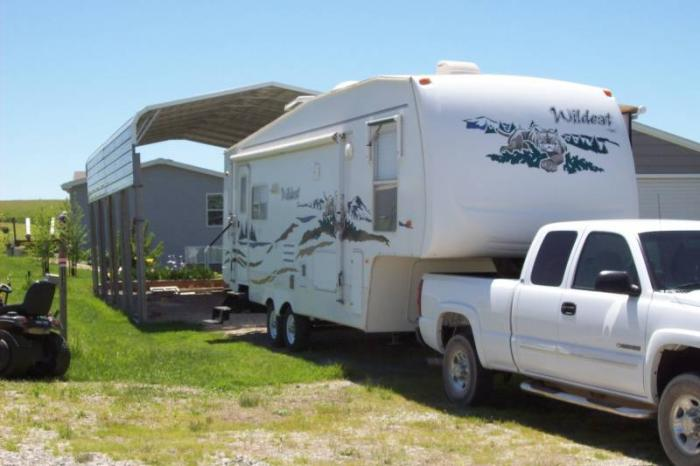recreational vehicles fifth wheel trailers 2005 forest river wildcat 29lrbs located in topeka. Black Bedroom Furniture Sets. Home Design Ideas