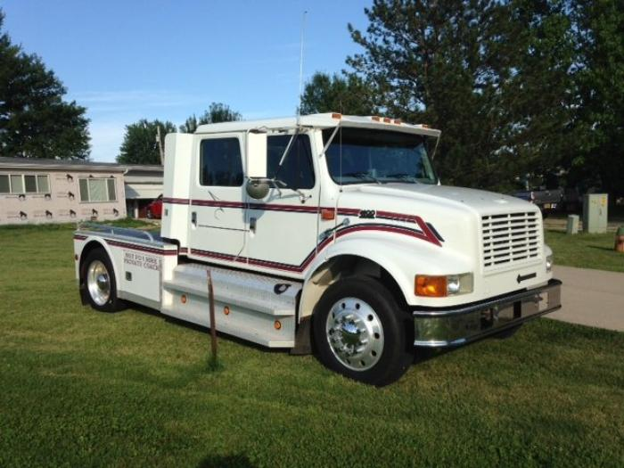 1999 International 4900 Toter Truck And 53ft Rail Trailer